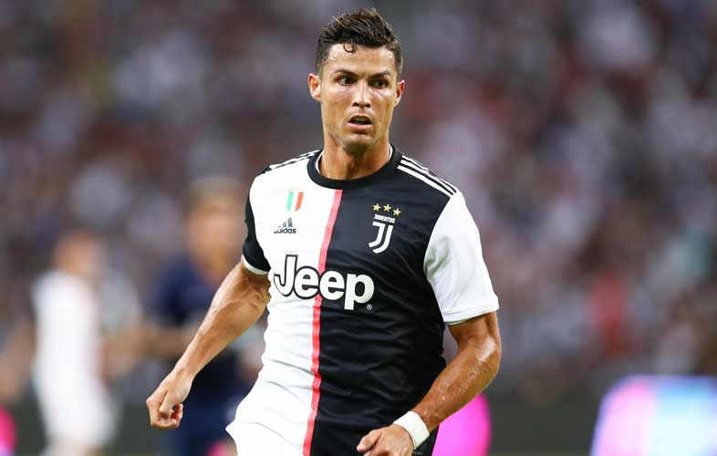Cristiano-Ronaldo-football-player-Superstar